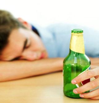 Что делать матери, если сын пьёт: советы психолога